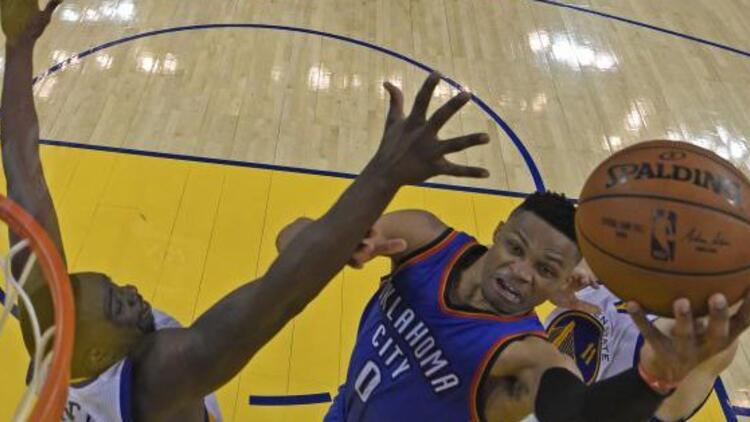 Westbrook, efsaneyi solladı!