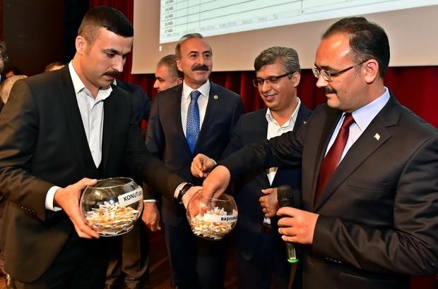 Uşak'ta kentsel dönüşümde konutların kura töreni gerçekleşti